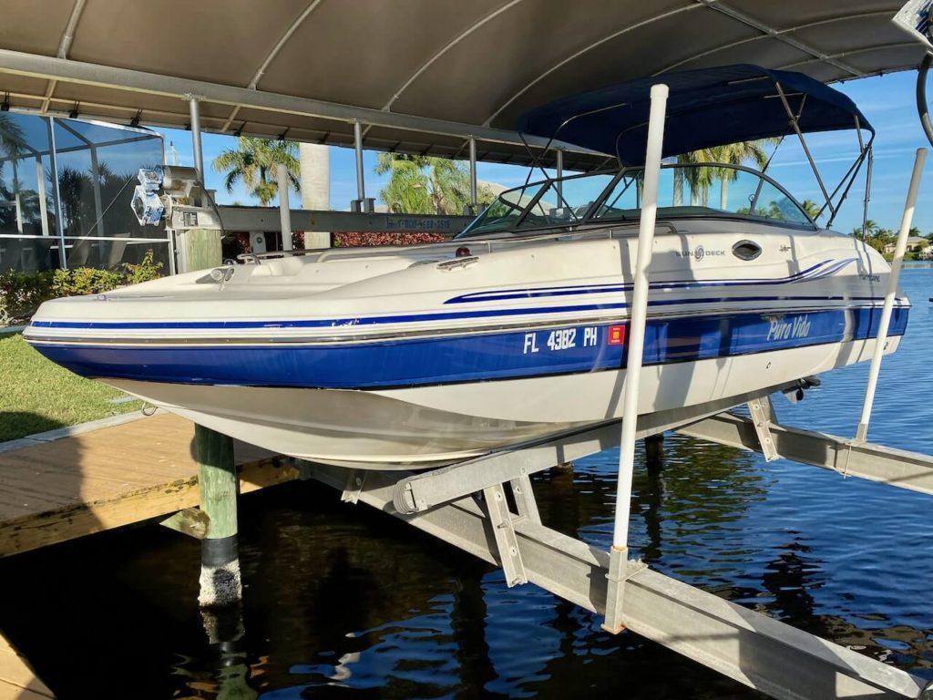 Boot mit 200 PS zum Ferienhaus dazu mieten