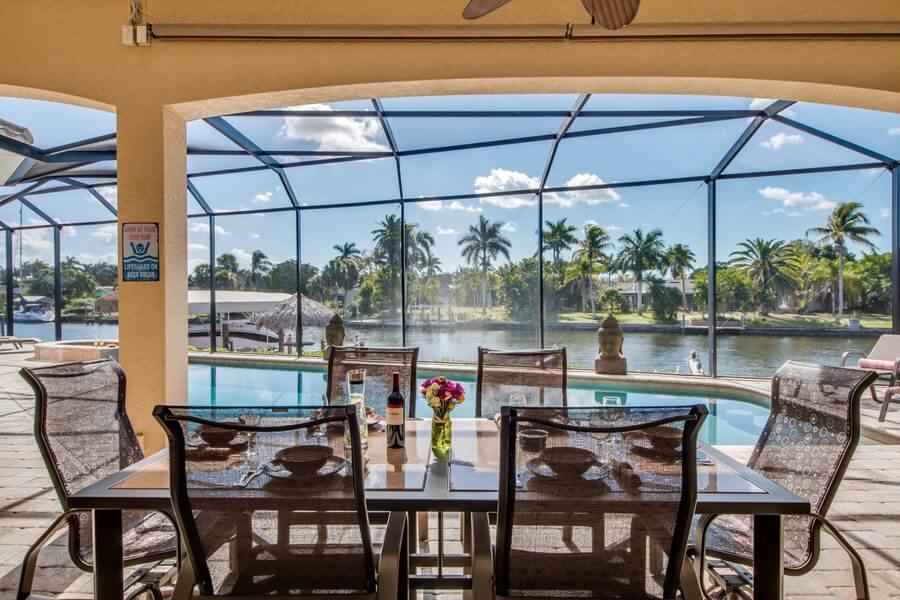 Aussicht auf dem Pool im Ferienhaus
